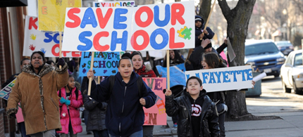 Students and parents from Lafayette School marched to their alderman's office March 21. (photo: Bill Healy/Chicago Public Media)