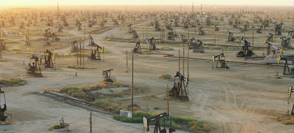 The Monterey Shale oilfield. (photo: National Geographic)