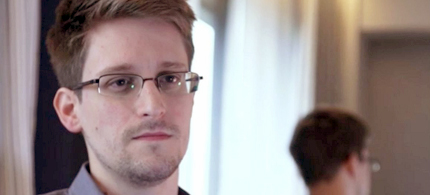 Edward Snowden during an interview while still in Hong Kong. (photo: Guardian UK)