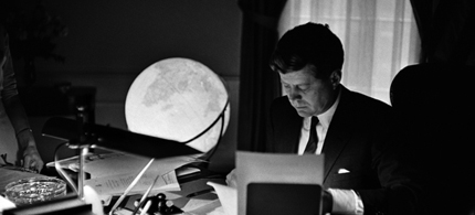 President John F. Kennedy at work in the Oval office in 1962. (photo: George Tames)