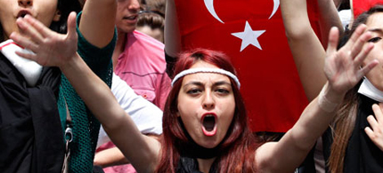 Large protests are rocking Turkey, this time over new internet access laws. (photo: Reuters)