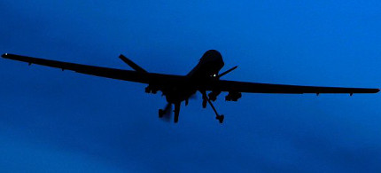 A US 'Predator' drone is seen as it flies above Kandahar Air Field in southern Afghanistan. Documents from the archive of whistleblower Edward Snowden indicate that NATO forces conducted dubious targeted killings in Afghanistan. (photo: Kristy Wigglesworth/AP)