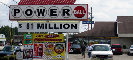 Powerball sign. (photo: Ross Catrow/Flickr)