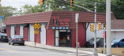 The DEA agents who allegedly owned this New Jersey strip club improperly wrote they had no outside income on documents giving them national security clearance, according to prosecutors. (photo: Richard Harbus/New York Daily News)