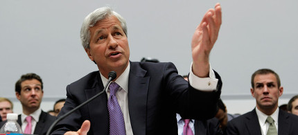 JP Morgan Chase CEO Jamie Dimon testifies at House Financial Services hearing. (photo: Chip Somodevilla/Getty)