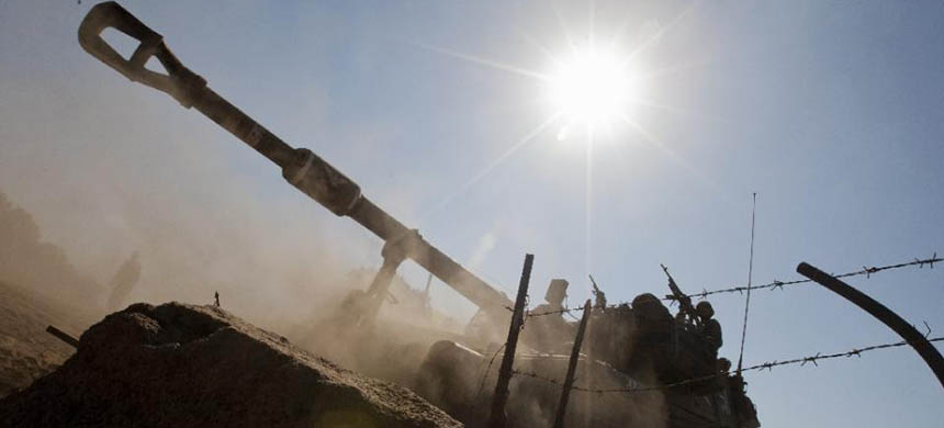 An Israeli mobile artillery drives during a military exercise in the Israeli-occupied Golan Heights on September 19, 2012, amid tensions over Iran's nuclear drive. (photo: Jack Guez/AFP)