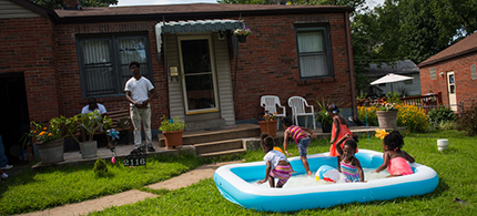 Children play at a block party. (photo: Edwin Torres/ProPublica)