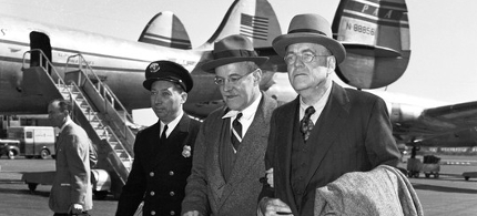 Allen and John Foster Dulles in 1948. (photo: Bettmann/Corbis)