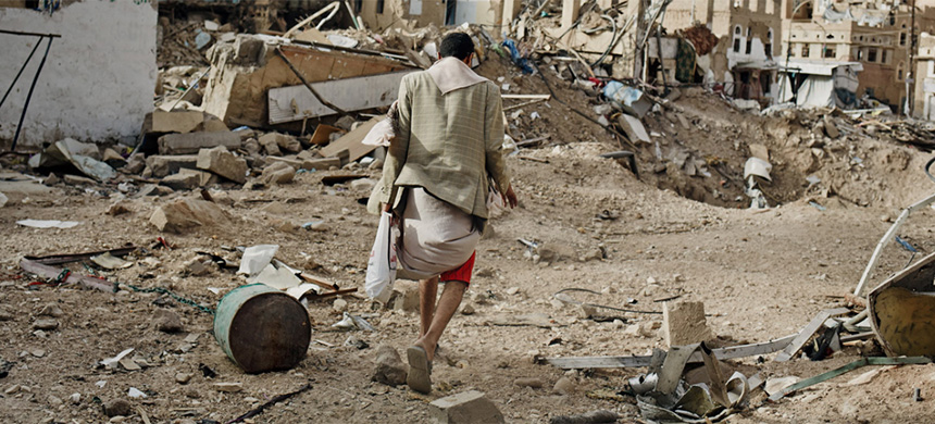The aftermath of Saudi bombings in Yemen. (photo: Sebastiano Tomada/Getty Images)
