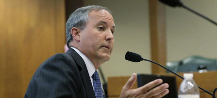 In this July 29, 2015 file photo, Texas attorney general Ken Paxton speaks during a hearing in Austin, Texas. Already indicted on felony securities fraud charges, Paxton will face an ethics investigation for advising local officials they could refuse to issue same-sex marriage licenses on religious grounds. (photo: Eric Gay/AP)