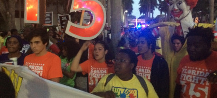A large and diverse crowd protested outside the Republican debate in Miami. (photo: Alice Ollstein)
