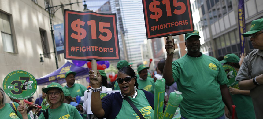 'Fight for $15' rally. (photo: Mary Altaffer/AP)