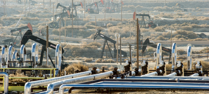 Fracking drilling operation. (photo: Shutterstock)