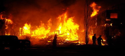 Flames engulf homes in Fort McMurray. (photo: CTV News)