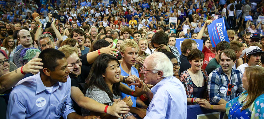 Bernie Sanders greets supporters at the University of Washington's Hec Edmundson Pavilion. (photo: SeattlePi)