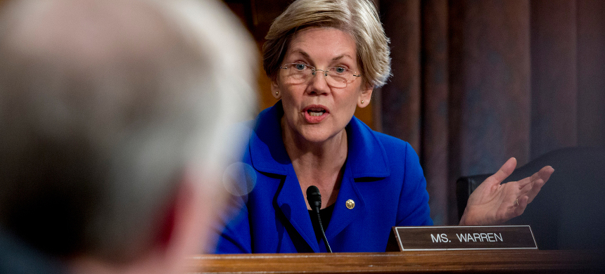 Senator Elizabeth Warren. (photo: Andrew Harper/Bloomberg)