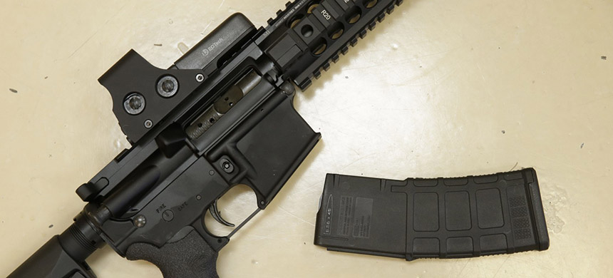 Since the mass shooting in a gay nightclub in Orlando on June 12, Democrats have endorsed various measures to get weapons out of the hands of people on secretive terror watch lists. (photo: Rich Pedroncelli/AP)