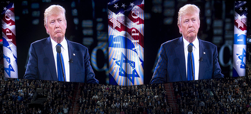 Donald Trump at AIPAC. (photo: Saul Loeb/AFP/Getty Images)