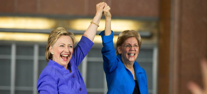 Sen. Elizabeth Warren appeared at a campaign event with Hillary Clinton. (photo: John Sommers II/Getty Images)