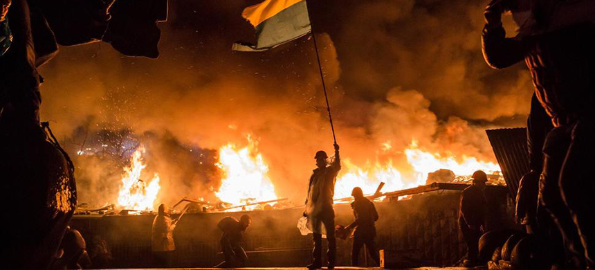 The perimeter of Independence Square, known as Maidan in Kiev in 2014. (photo: Brendan Hoffman/Getty Images)