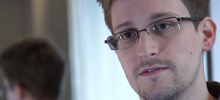 Edward Snowden speaks during an interview in Hong Kong. (photo: Guardian UK/Getty Images)