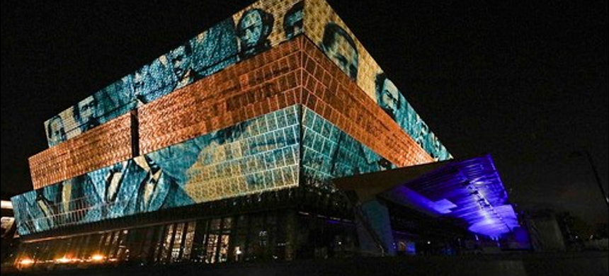 The National Museum of African American History and Culture. (photo: Eric Long/Smithsonian Institution)