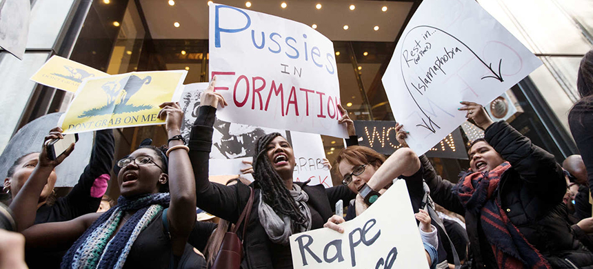 Women protest outside Trump Tower. (photo: Drew Angerer/Getty Images)