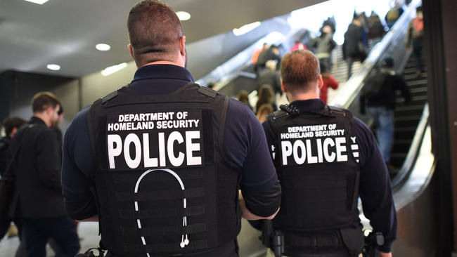 Department of Homeland Security police walk through Penn Station in New York, November 24, 2015. (photo: Timothy A. Clary/AFP/Getty)