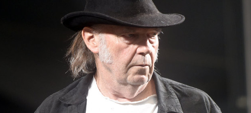 Musician Neil Young. (photo: Tim Mosenfelder/Getty)