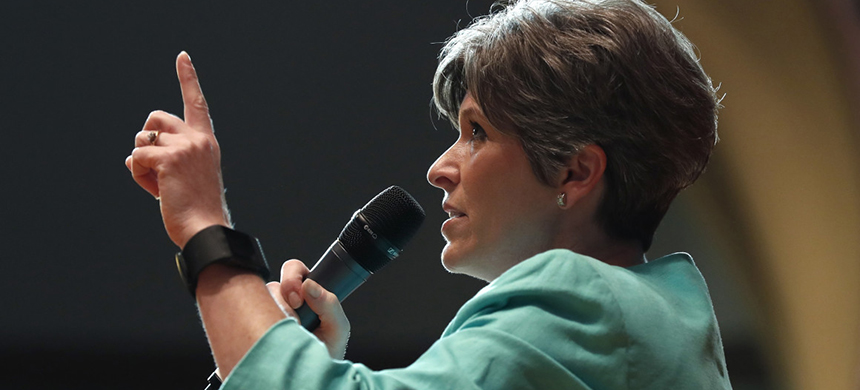 Senator Joni Ernst at a town hall in Des Moines, Iowa, on March 17. (photo: AP)
