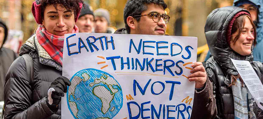 Larry Lockman said his bill would reaffirm free speech by protecting climate change supporters as well. (photo: Pacific Press/LightRocket/Getty Images)