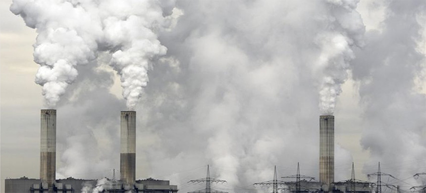 Fossil fuel emissions. (photo: istock)