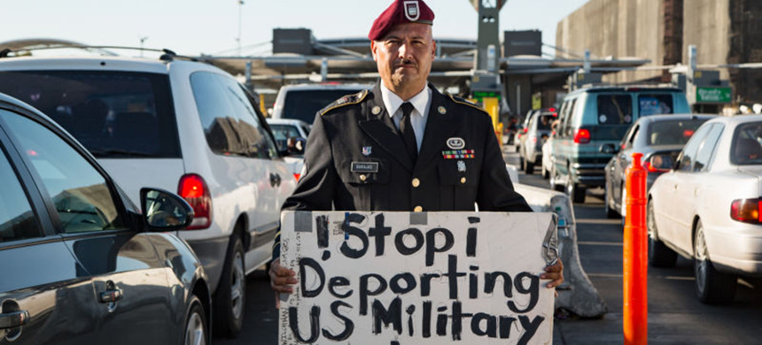 'Stop deporting U.S. military veterans.' (photo: Jorge Rivas/Fusion)