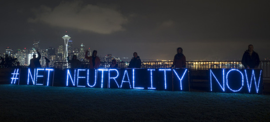 Demonstration for net neutrality. (photo: Backbone Campaign/Flickr)