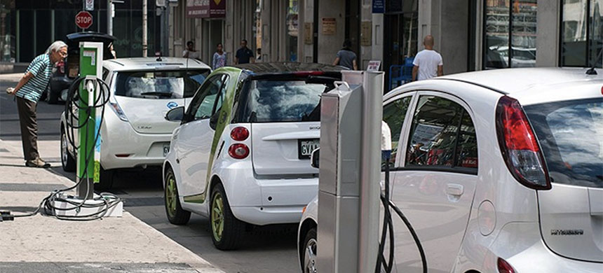 Electric cars. (photo: Wikimedia)