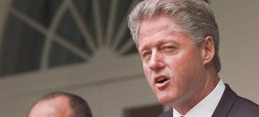 President Clinton copied a rhetorical device weaponized by President Reagan. (photo: Ruth Fremson/AP)