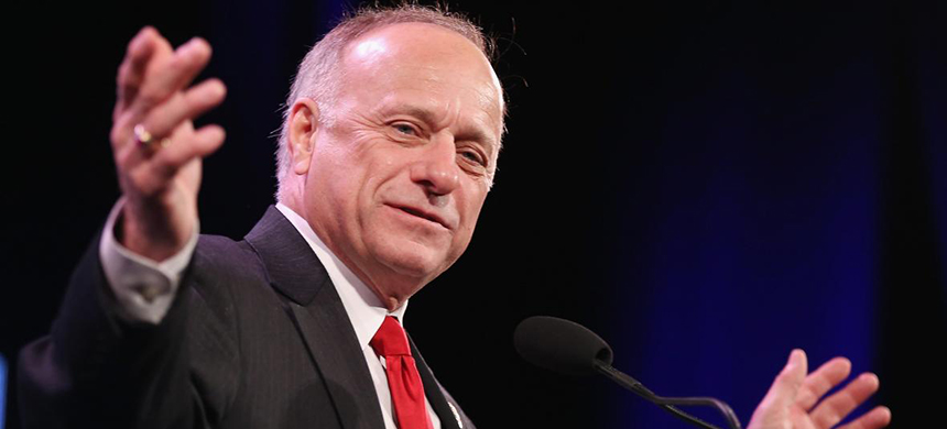 Representative Steve King (R-IA) speaks to guests at the Iowa Freedom Summit on January 24, 2015 in Des Moines, Iowa. (photo: Getty Images)