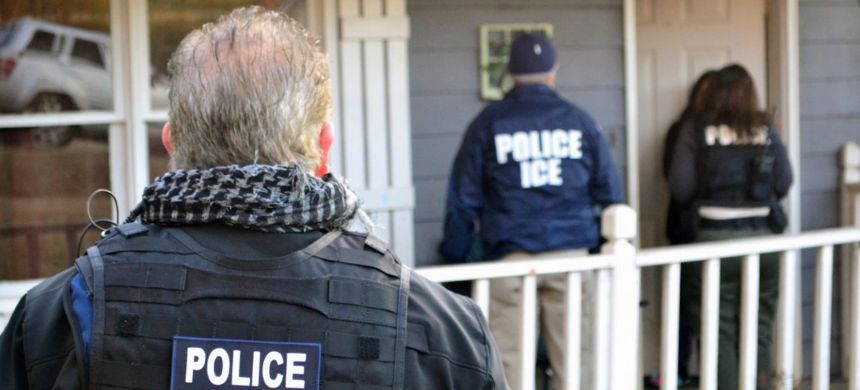 U.S. Immigration and Customs Enforcement. (photo: Bryan Cox/Getty Images)