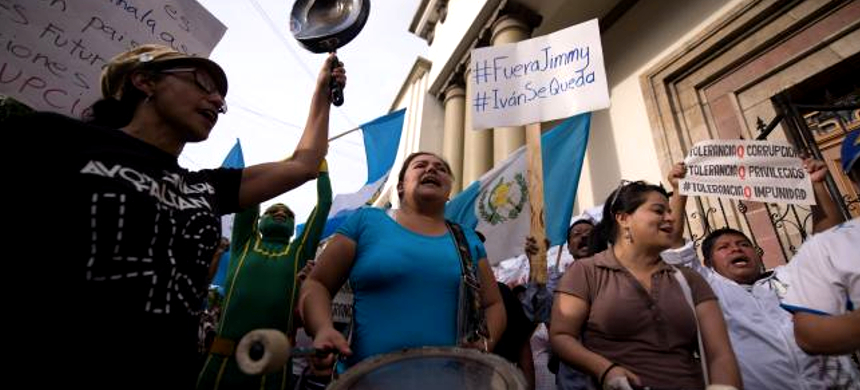 Protesters in Guatemala. (photo: Santiago Billy/Comvite)
