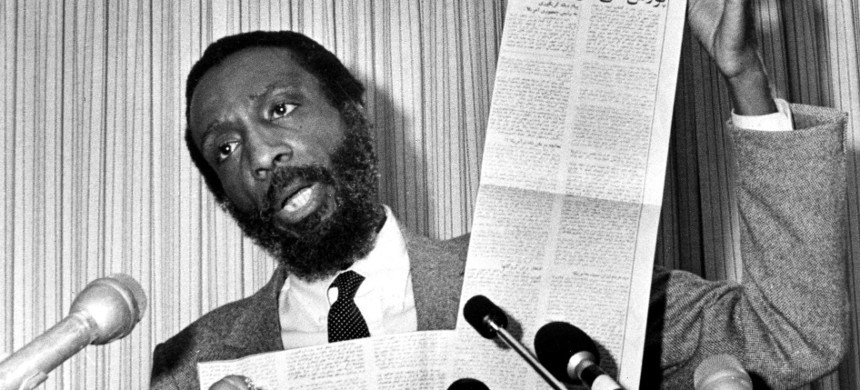 Comedian and activist Dick Gregory. (photo: AP)