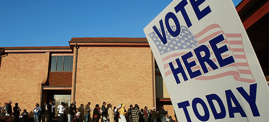 Voters line up outside Bethel Missionary Baptist Church in the presidential election November 4, 2008 in Birmingham, Alabama. (photo: Mario Tama/Getty Images)