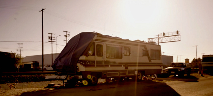Mobile home on tracks, Sun Valley, California, birthplace of the Vegas shooter. (photo: The Best Democracy Money Can Buy)