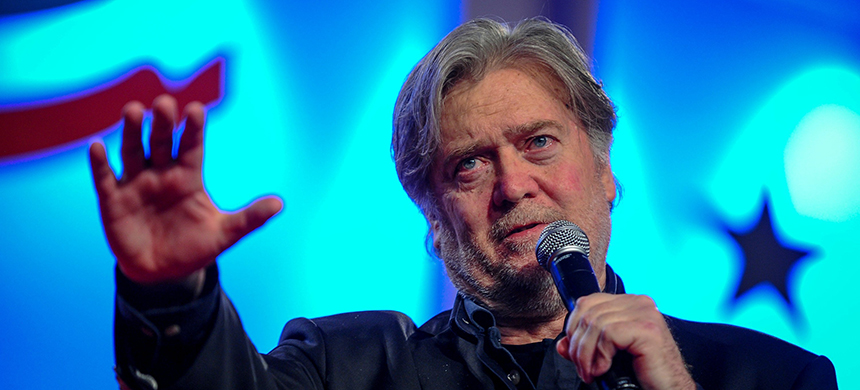 Former White House chief strategist Steve Bannon delivers remarks during the Value Voters Summit in Washington, D.C., Oc. 14.  (photo: Mary F. Calvert/Reuters)