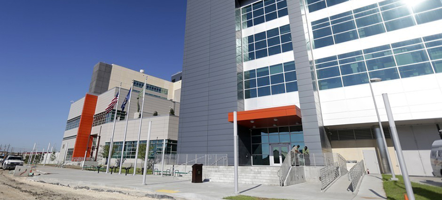 The front of the newly constructed jail facility in New Orleans opened in September 2015. (photo: Gerald Herbert/AP)