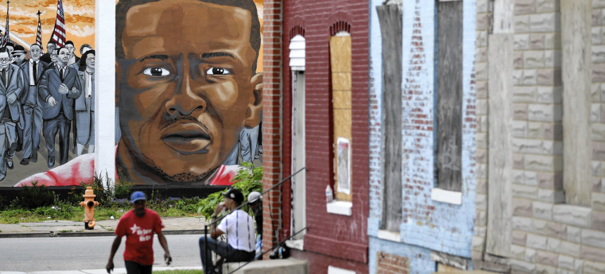 Mural of Freddie Gray in Baltimore. (photo: Patrick Semansky/AP)