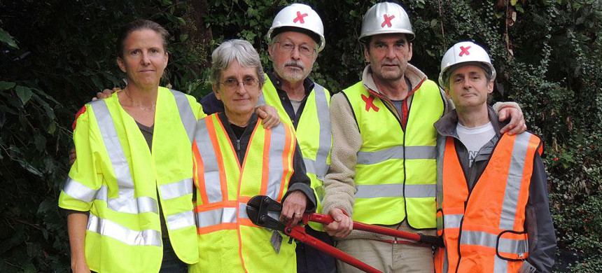The Valve Turners are a group of climate activists who shut down five oil pipelines in October 2016. From left, Emily Johnston, Annette Klapstein, Higgins, Ken Ward and Michael Foster. (photo: Climate Direct Action)