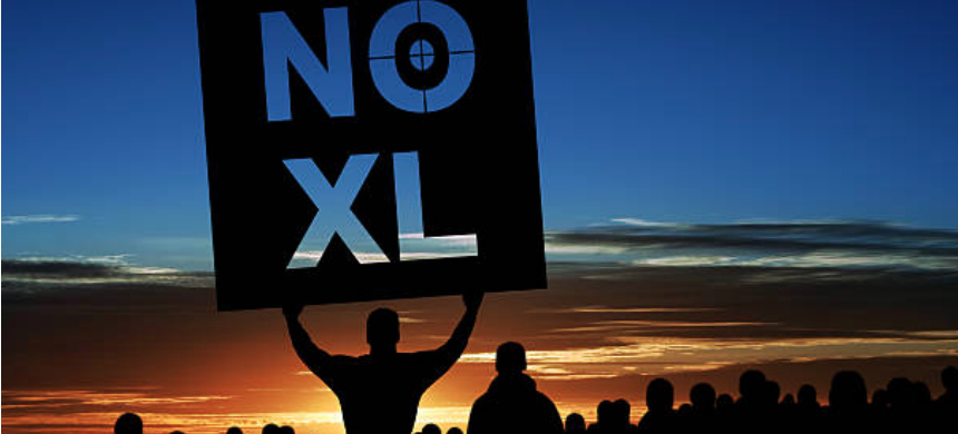 A protest against the Keystone XL pipeline. (photo: iStock)