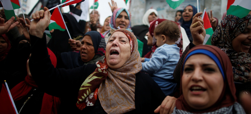 Palestinian women in Gaza shouted slogans during a protest against the US intention to move its embassy to Jerusalem and to recognize Jerusalem as the capital of Israel. (photo:Mohammed Salem/Reuters)