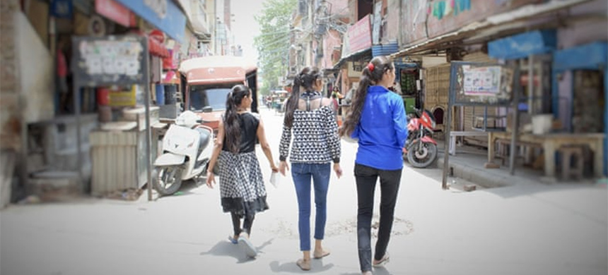More than 95 percent of women and girls in New Delhi report feeling unsafe in public spaces. (photo: Alia Dharssi/Al Jazeera)