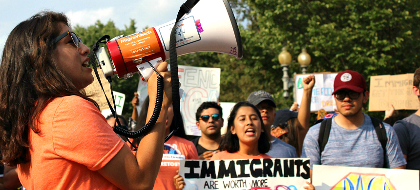 Activists rallying to defend DACA in Washington, D.C. (photo: Andrew Stefan/RSN)